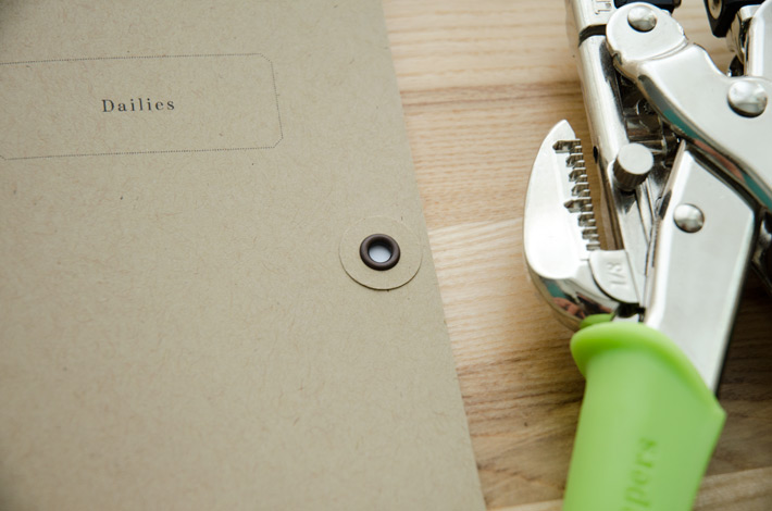 paper-nerd_diy-string-closure-travelers-notebook_02